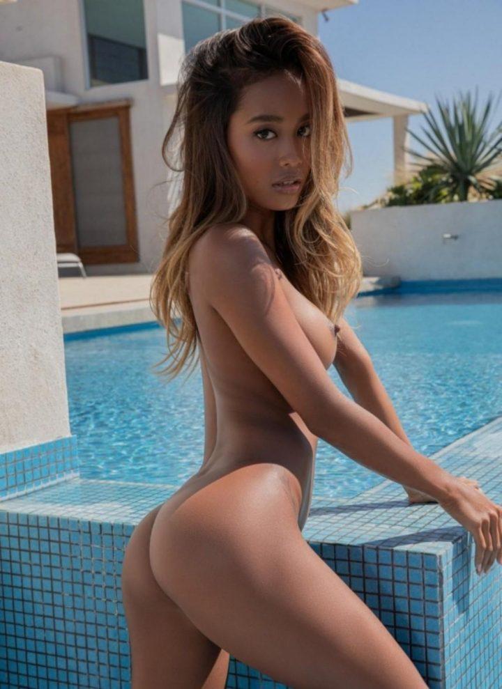 Hot Indo pool babe